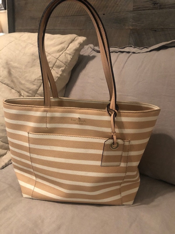 d99bf9c6daf Brukt Kate Spade Striped Purse Til Salgs I Sandy Springs Letgo