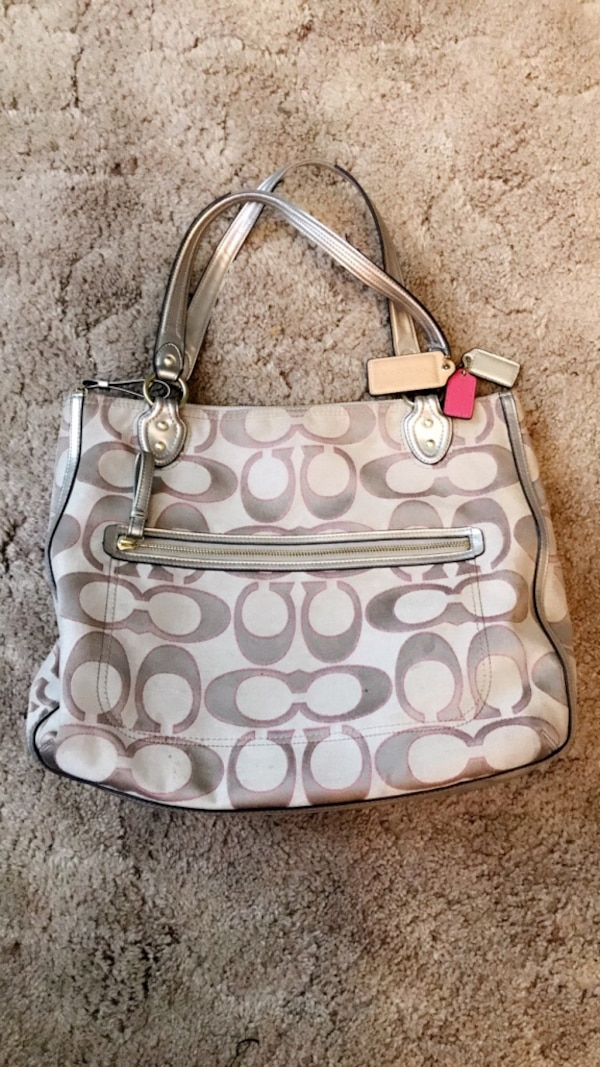 3321ec5045ab Used Used Coach Bag. for sale in Puyallup - letgo