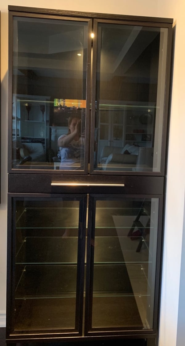 Glass cabinets with drawer f89ab271-61f5-4f2d-9264-9ae1c079bad0