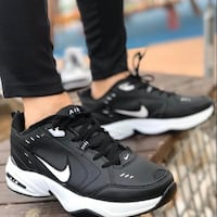 Nike Air monarch