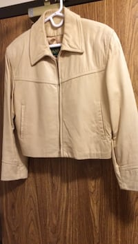 Leather Daniel jacket size medium. Butter yellow     Leamington