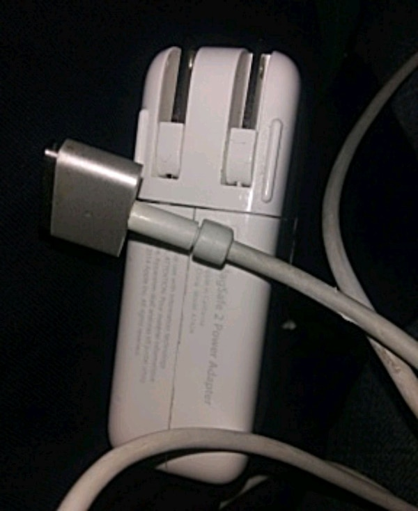MacBook Pro charger 85w mag safe 2 like New 2 units in stock