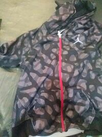 black and gray camouflage zip-up jacket Oakland, 94601