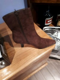 pair of brown leather boots Laval, H7X 3H2