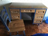 Solid wood desk and solid wood chair Vaughan, L6A 2P5