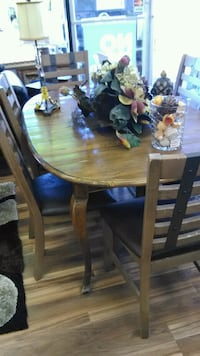 Real solid wood dining room set Indianapolis