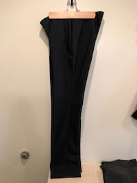CHICOS Sz 00 Small Black Career Dress Pants. Cotton polyester spandex blend. Side zipper. Like new, only worn once. Smoke free home. Washington