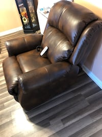 brown leather recliner sofa chair Leesburg, 20175