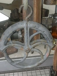 Antique water well pulley Edmond