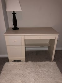 Antique White Finish Desk Ashburn, 20147