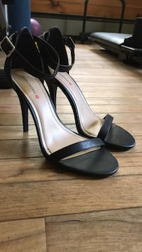 strapy heels size 10 Rock Hill