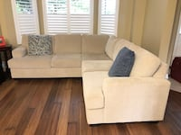 Couch with warranty - excellent condition  Markham, L6B 1B5