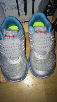 Pair of gray-and-blue champions  sneakers Saint Petersburg, 33705