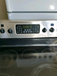 Stove electric 30×35 $165.00 Providence, 02909