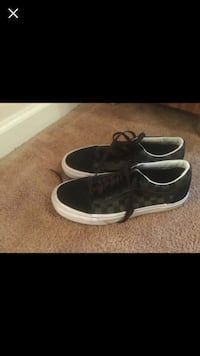 pair of black low-top vans Newport, 28570