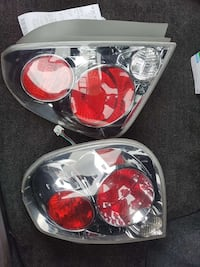 pair of auto taillights 69 km