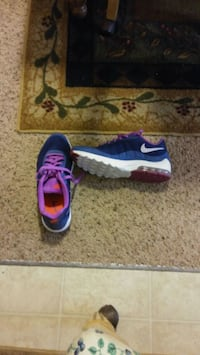 pair of blue-and-red Nike sneakers Middletown, 45044
