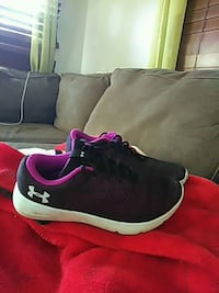 pair of black-and-pink running shoes Charleston, 29406