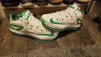 Pair of white-and-green nike running shoes Fort Mill, 29707