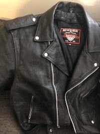 Motorcycle leathers jacket, vest and chaps size large good condition Surrey, V4P 0C3