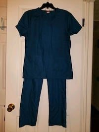 Scrub set Size Med by Denice Hopewell