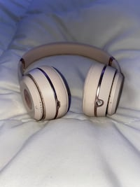 wireless rose gold solo beats 3
