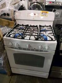 GE gas range working perfectly four months warranty