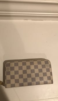 Louis Vuitton damier azur zippy wallet  Vancouver, V5M