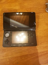 Black 3Ds with charger and pokemon white.  Burnaby, V5B 2C2