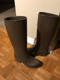 Pair of brown quilted patent rain roots