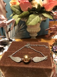 Pretty! Silver Bracelet with angel wings  Gainesville, 20155