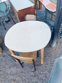 Child's round table with 2 children's chairs