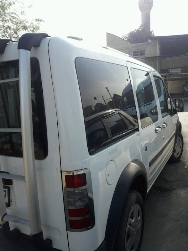 2004 Ford Transit Connect 3
