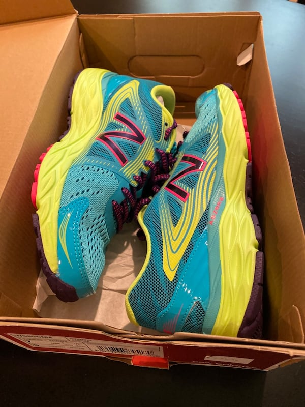 New Balance Running Course Shoes (size 7) e9572904-a54f-49dc-976a-54455d779acc