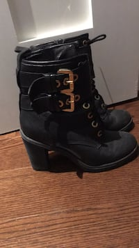 GUESS - black leather booties Toronto, M5N 1T1