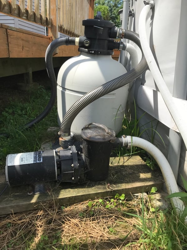 Hayward sand filter and plug in and Hayward pump f0a504ca-8973-4cc9-ad22-9465ee6a7e39