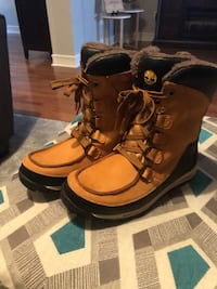 Brown tan youth boys  timberland boots 6.5 Vaughan