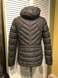 New Women's Packable Ultralight Paradox Puffer Down Jacket Size-M - $45 Port Coquitlam