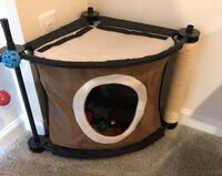 Cat Home/ Play Area 64 km