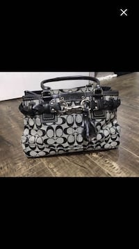 Coach purse Vaughan, L4K 5W4