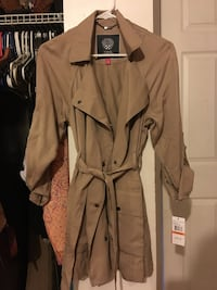 Received as gift and have no interest in keeping it. brand new. brown trench coat Cambridge
