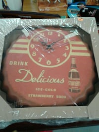 red and white Coca-Cola cap wall clock Houston, 77018