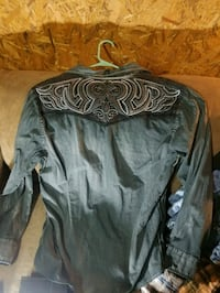 grey long-sleeved shirt Pigeon Forge, 37862