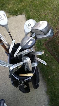 black and gray golf bag with golf clubs Edmonton, T5X
