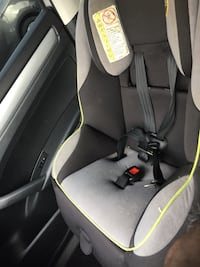 gray and white car seat 42 km