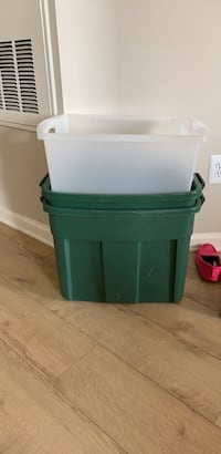 3 large Tupperware boxes with no lids  Arlington, 22201