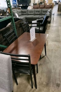 Brand New 5 pce Dining Room Table Set