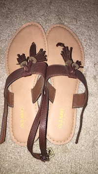 Size 8 brown sandals Glenwood, 21738