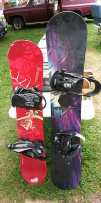 black and pink snowboard with bindings Newark, 14513