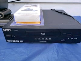 DVD player with cleaner